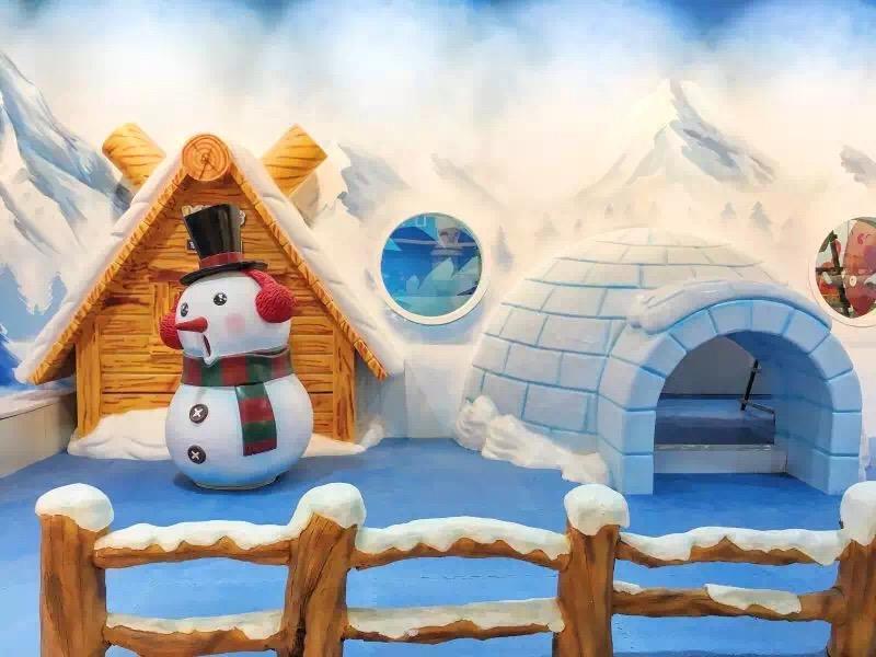 雪人屋冰雪卡通雕塑