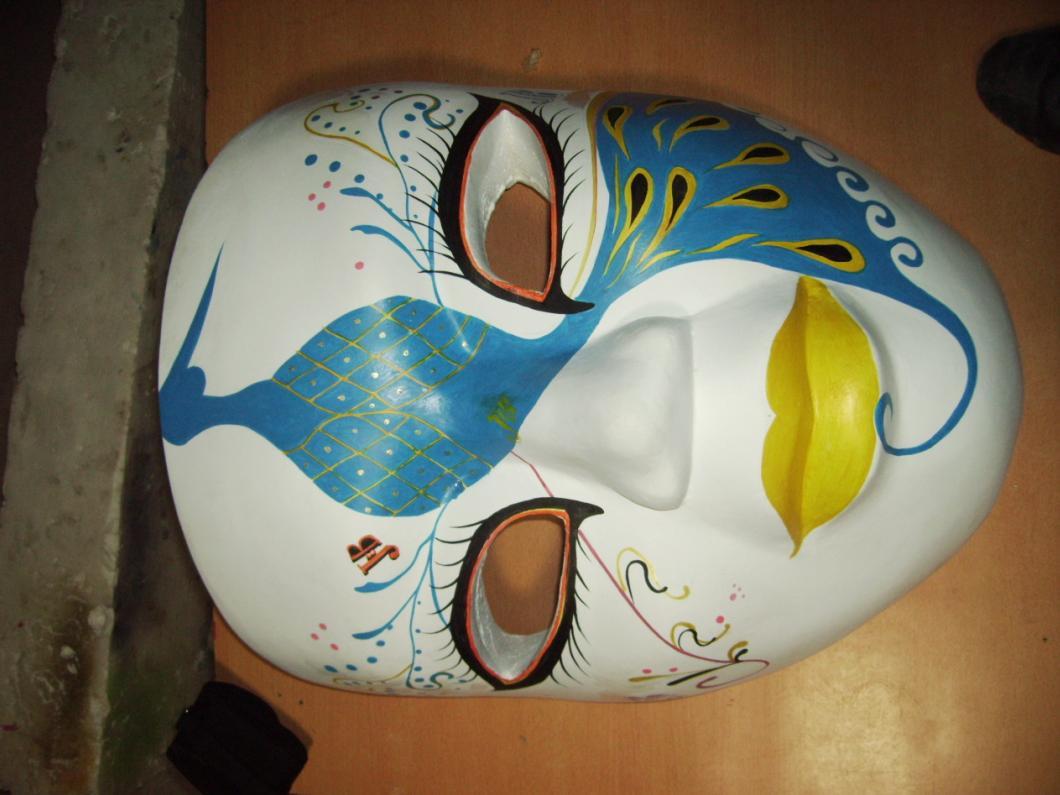面具不锈钢雕塑