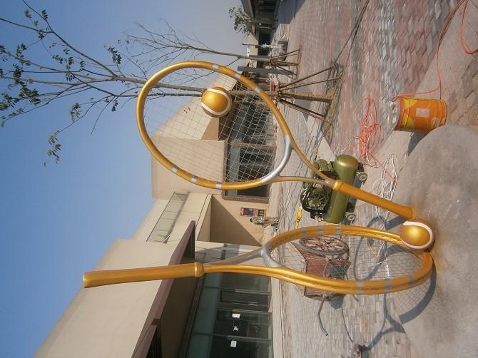 羽毛球拍玻璃钢雕塑