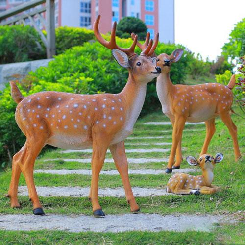玻璃钢梅花鹿动物雕塑