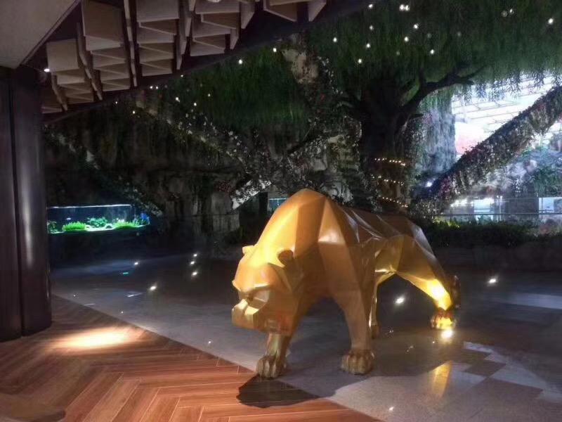 玻璃钢豹动物雕塑
