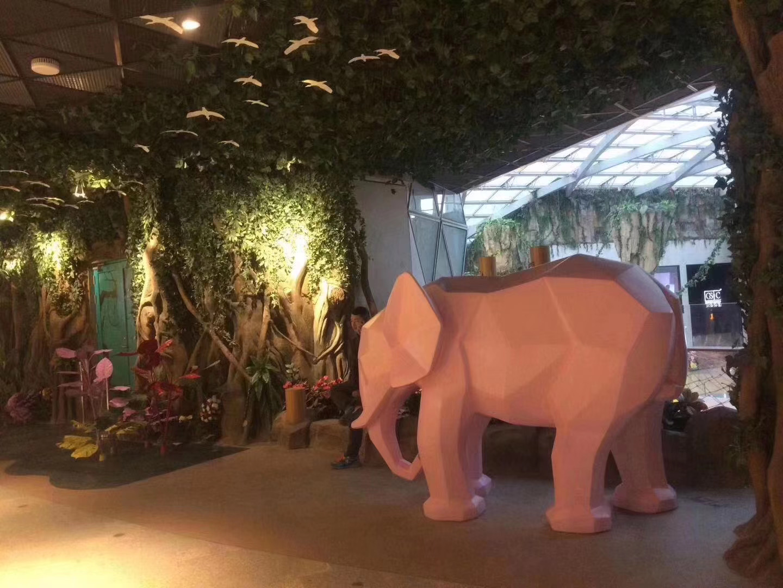 玻璃钢大象动物雕塑