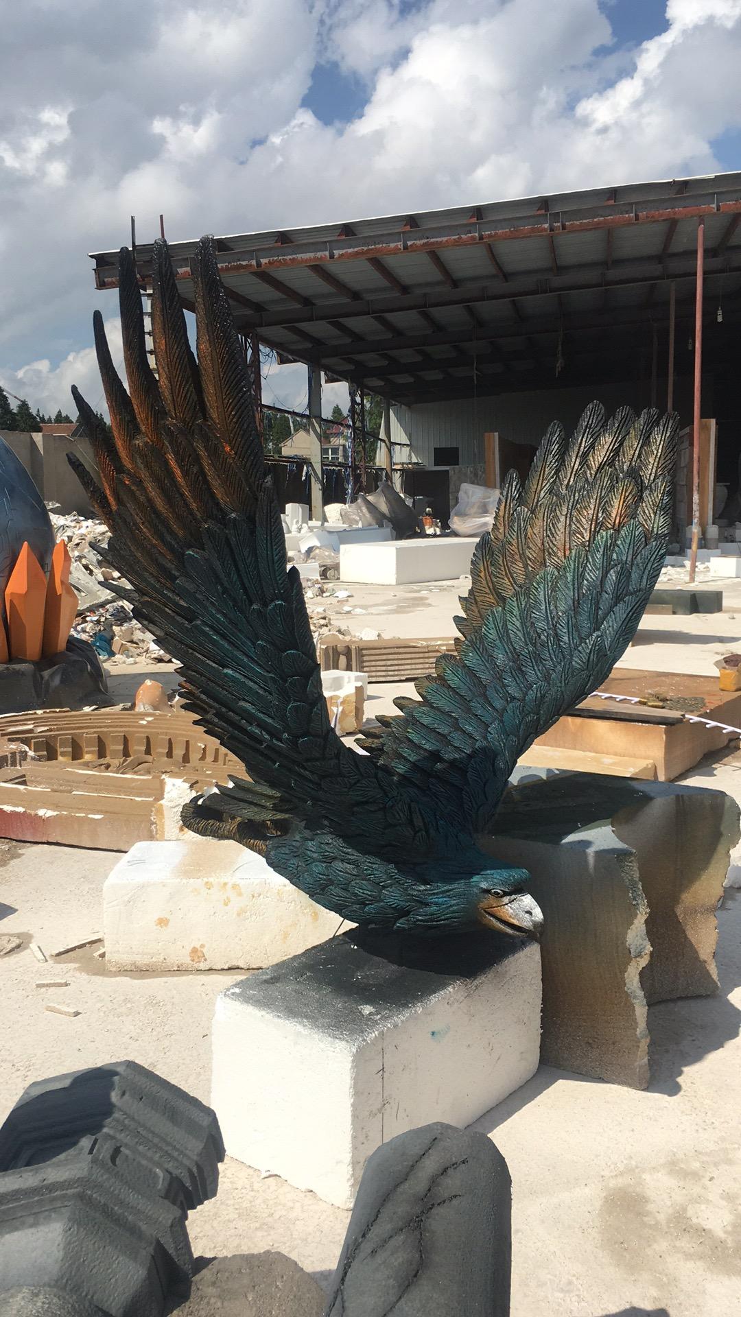 泡沫老鹰雕塑