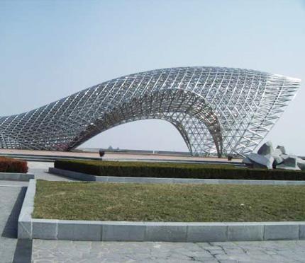 上海培艺雕塑被评为优秀企业