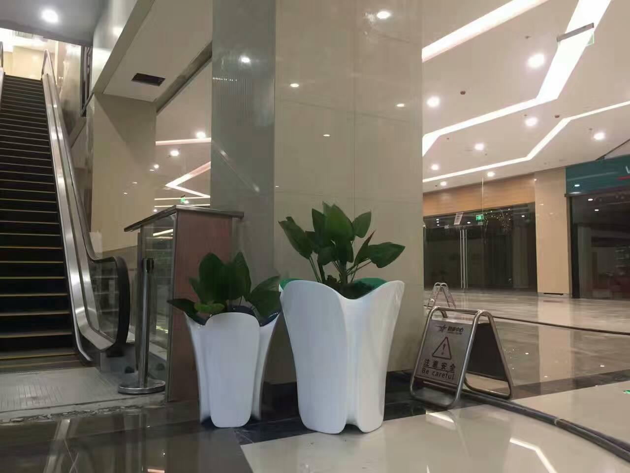 玻璃钢花盆的使用特性