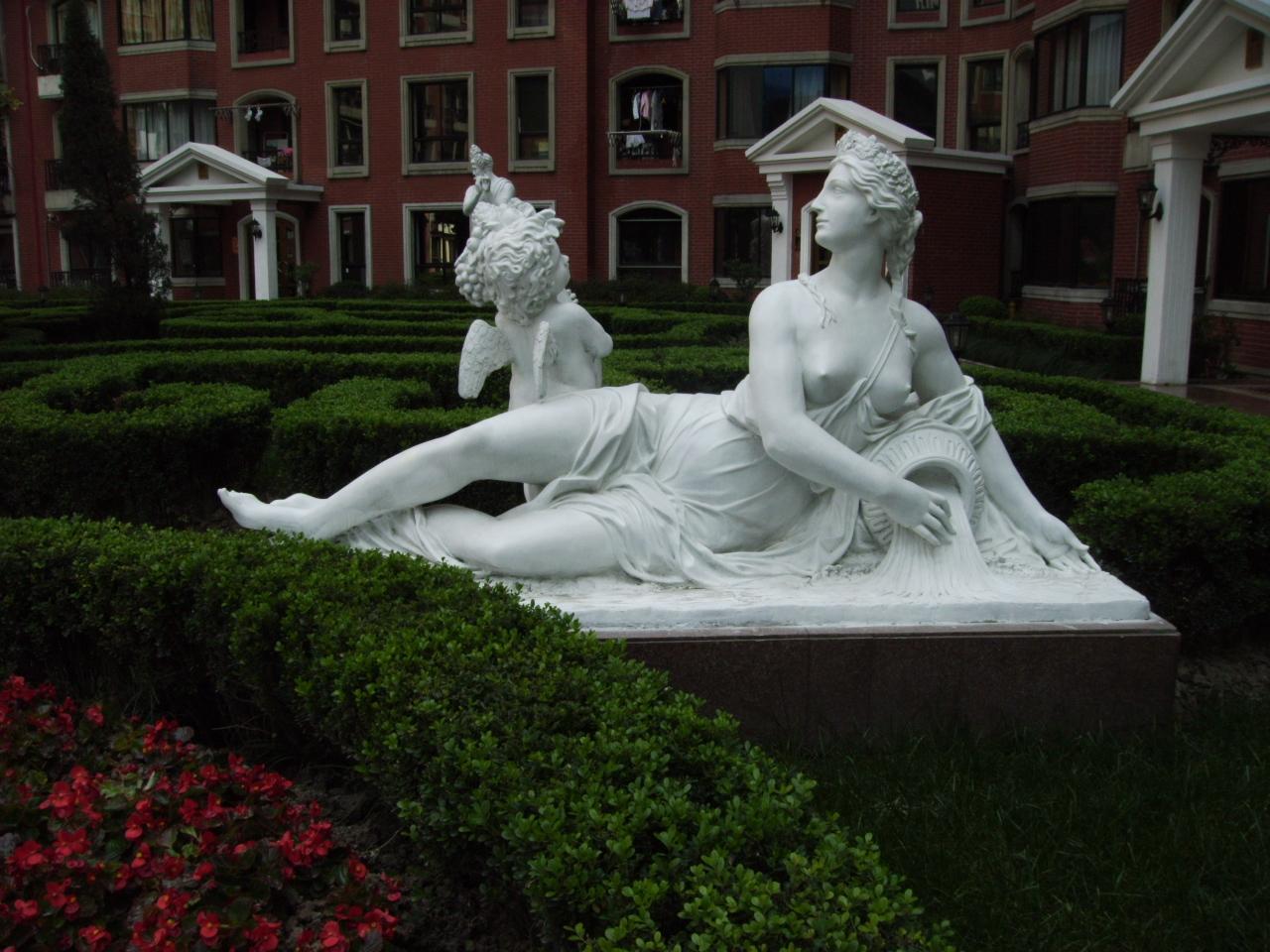 街头人物雕塑
