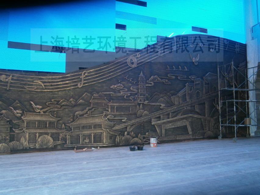 上海培艺雕塑公司介绍铸铜雕塑保养方法:
