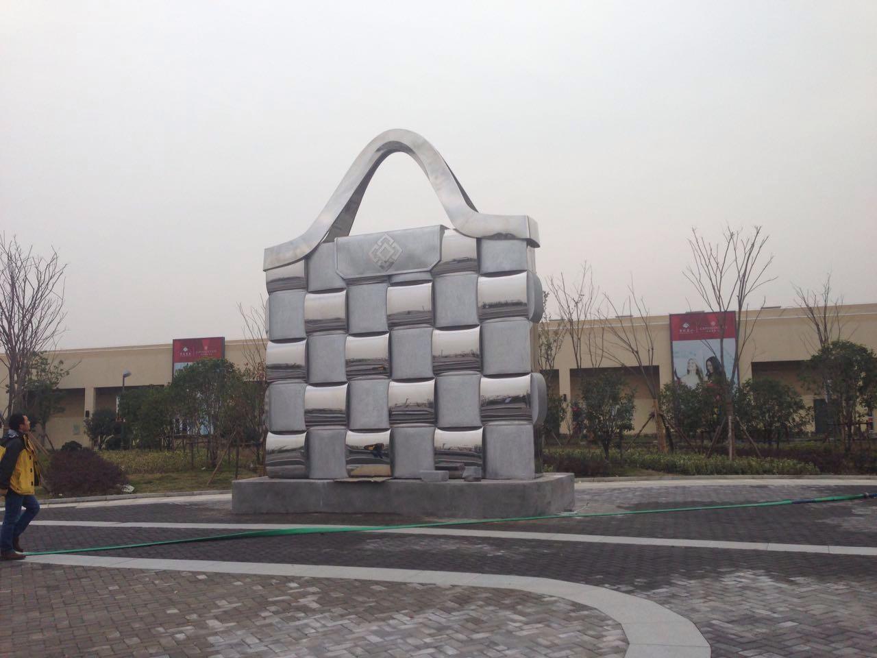 不锈钢雕塑设计审美与时代相结合