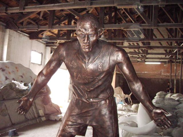 人物雕塑面部雕塑时需要注意几点?