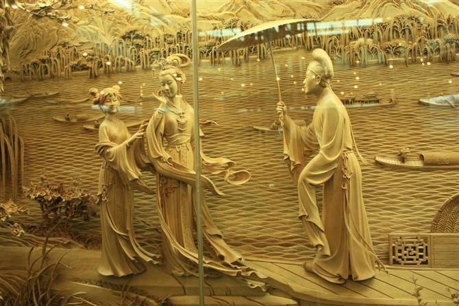 浮雕人物衣纹人可分为哪三大类?