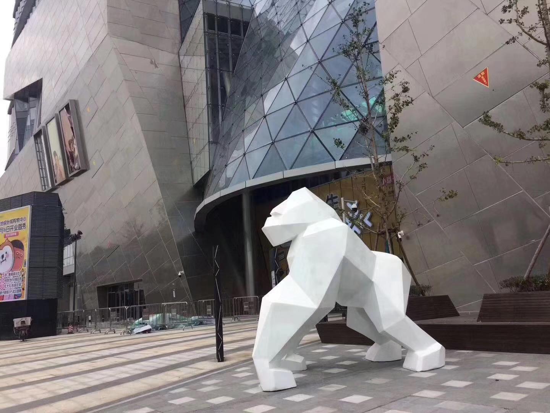 城市不锈钢雕塑的特点?