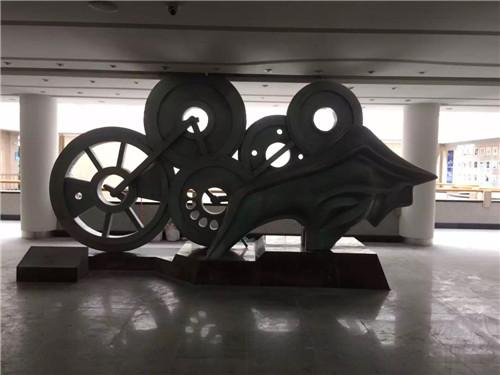 不锈钢雕塑的摆放位置!