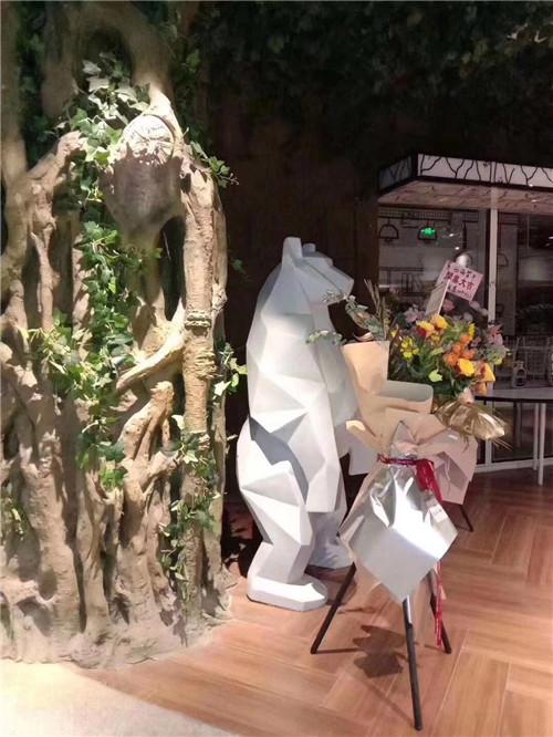 上海培艺雕塑厂家有什么优势!